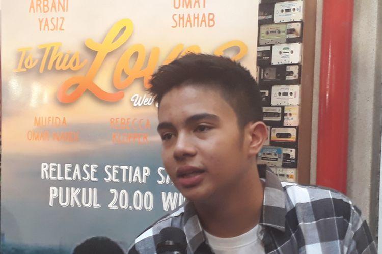 Umay Shahab dijumpai wartawan seusai Meet and Great dengan penggemar di Paviliun 28, Jalan Petogogan, Jakarta Selatan, Jumat (8/9/2017).