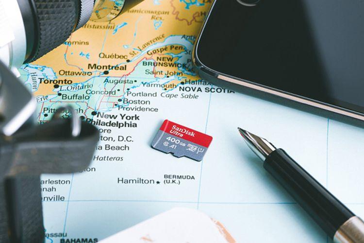 Ilustrasi kartu memori microSD Sandisk 400 GB.