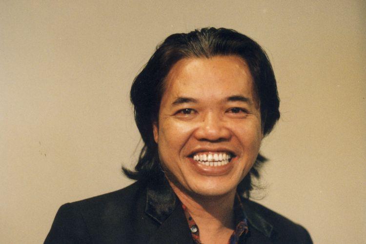 Arswendo Atmowiloto (1995)