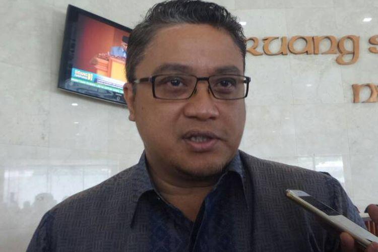 Ketua Komisi IX DPR dari Fraksi Partai Demokrat Dede Yusuf di Kompleks Parlemen, Senayan, Jakarta, Kamis (27/4/2017).