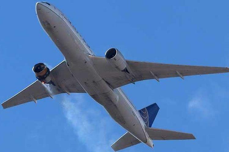 B777 United Airlines penerbangan UA328 yang mengalami kebakaran mesin saat penerbangan Denver-Honolulu, Sabtu (20/2/2021).