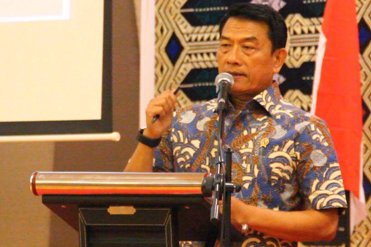 Kepala Kantor Staf Presiden, Moeldoko, dalam diskusi publik bertema Pemenuhan Hak-hak Disabilitas di Mataram, Kamis (26/4), bersama 200 penyandang disabilitas kawasan Indonesia timur, Bali, NTT, NTB, aktivis, dan mahasiswa peduli disabilitas.