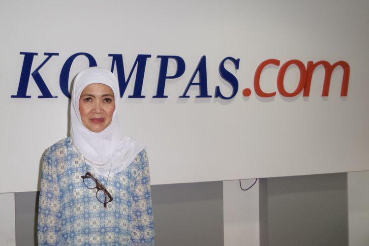 Damayanti Noor ketika berkunjung ke kantor redaksi Kompas.com, Palmerah Selatan, Jakarta Pusat, Kamis (16/11/2017). Kedatangannya untuk mempromosikan film Chrisye yang diproduksi oleh MNC Pictures.
