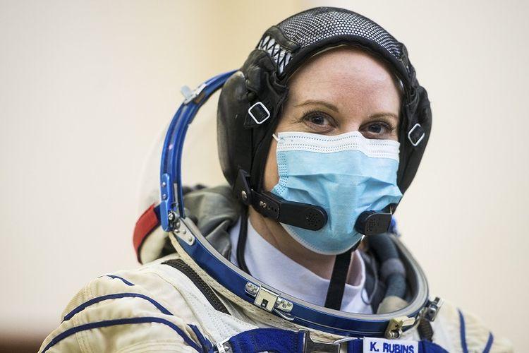 Foto ini disediakan oleh NASA. Ekspedisi 64 awak astronot NASA Kate Rubins, saat ujian kualifikasi Soyuz Rabu, 23 September 2020 di Gagarin Cosmonaut Training Center (GCTC) di Star City, Rusia.
