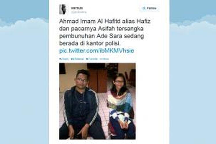 Foto Ahmad Imam Al Hafitd (19) dan Assyifa Ramadhani (19), pelaku pembunuhan Ade Sara Angelina Suroto (19), beredar di twitter. Disebutkan, foto ini diambil saat keduanya di Polres Bekasi. Tak ada konfirmasi soal lokasi pengambilan foto tersebut.