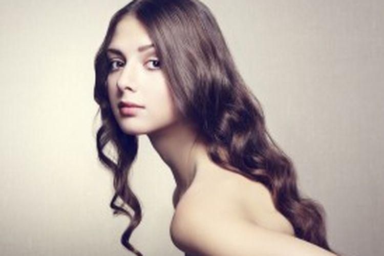 Mensiasati rambut agar terlihat panjang