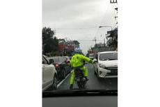 Viral Polisi di Jogja Buka Jalan dan Kawal Mobil Ojek Online