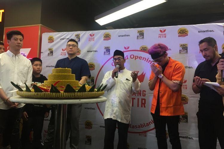 Atta Halilintar di Grand Opening Padang Petir bisnis barunya dalam dunia kuliner