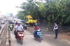Batasi Kegiatan Masyarakat, Polisi Tutup Dua Jalan di Kota Tangerang Pukul 21.00-04.00