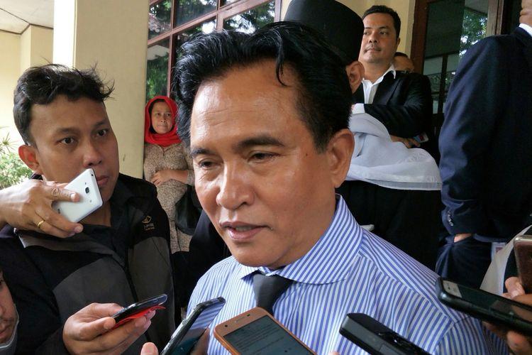 Kuasa Hukum HTI Yusril Ihza Mahendra di PTUN Jakarta Timur, Kamis (23/11/2017)