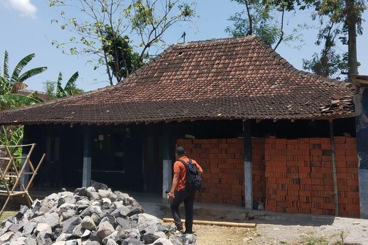 Rumah kontrakan milik terduga teroris I di Dukuh Jatiarum RT 002/ RW 011, Kelurahan Mranggen, Kecamatan Polokarto, Sukoharjo, Jawa Tengah, Senin (18/11/2019).