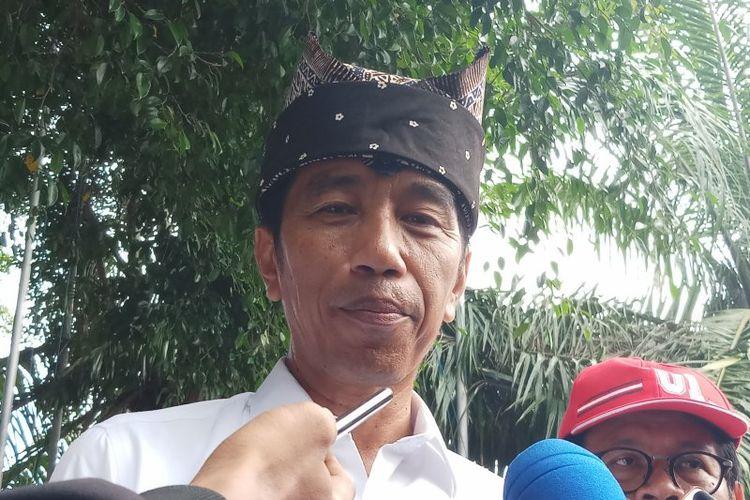 Calon presiden nomor urut 01 Joko Widodo melaksanakan kampanye terbuka hari kedua di Kabupaten Banyuwangi, Provinsi Jawa Timur, Senin (25/3/2019).