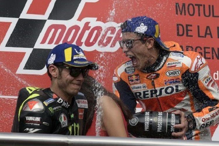 Marc Marquez dan Valentino Rossi finis di posisi dua teratas dalam MotoGP Argentina di Termas de Rio Hondo, 31 Maret 2019.