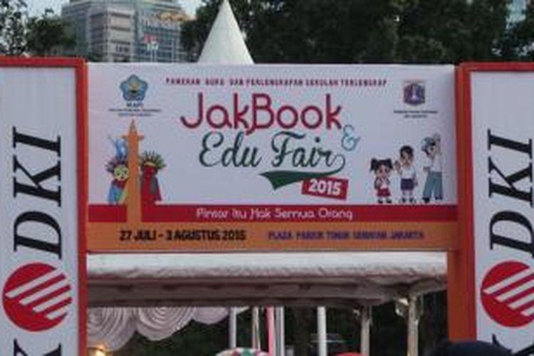 Jakarta Book and Edu Fair 2015 diselenggarakan mulai 27 Juli-3 Agustus 2015 di Parkir Timur Senayan, Jakarta Pusat.