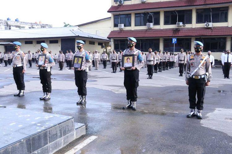 Upacara pemberhentian delapan anggota polda Sumatera Selatan yang terlibat kasus narkoba hingga pidana penggelapan, Senin (14/12/2020).