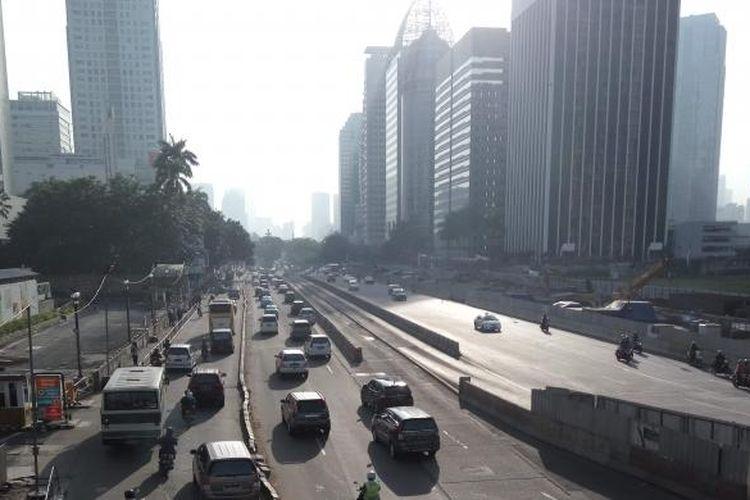 Kondisi arus lalu lintas dari arah Sudirman menuju ke Bundaran HI terpantau ramai lancar pada Rabu (27/7/2016).