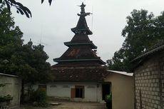 Terinspirasi Perjalanan Nabi, Tiang Masjid Ini dari Pohon Jati Utuh Setinggi 27 Meter