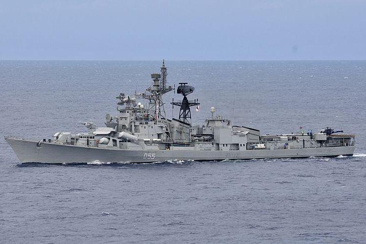 Kapal perusak berpeluru kendali milik India, INS Ranvijay.