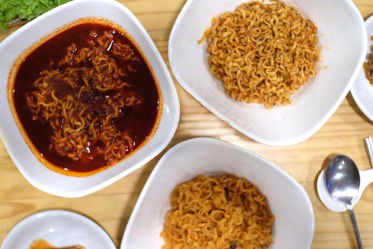 Mie Panas Korea dari SamWon House Indonesia, yaitu Hot Ramyun, Samyang Spicy Chicken Hot Ramen, dan Paldo Bulnak Spicy Fried Octopus Ramen, ketiganya dikemas dalam paket 3MIEPANASKorea.