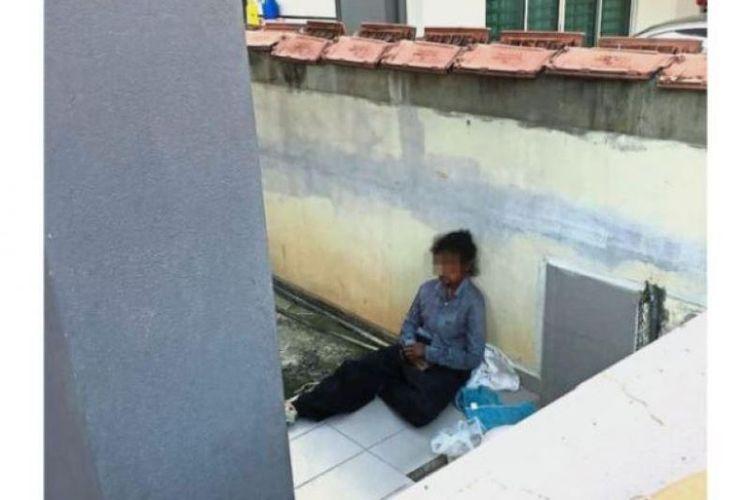 Tetangga mengklaim perempuan asal Medan, Indonesia, terpaksa tidur dengan anjing Rottweiler di beranda selama lebih dari sebulan.  (Jaringan Star/Asia Newswork via Straits Times)