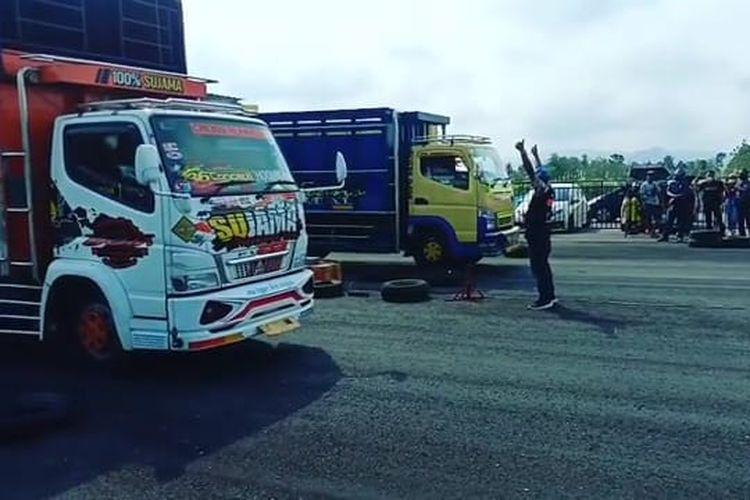 Drag race untuk truk yang digelar oleh VSC Yogyakarta