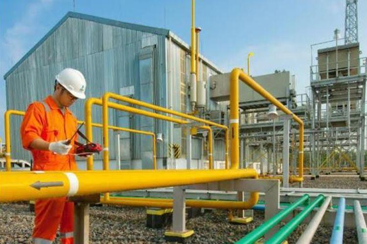 Pemasangan jaringan gas oleh PGN.