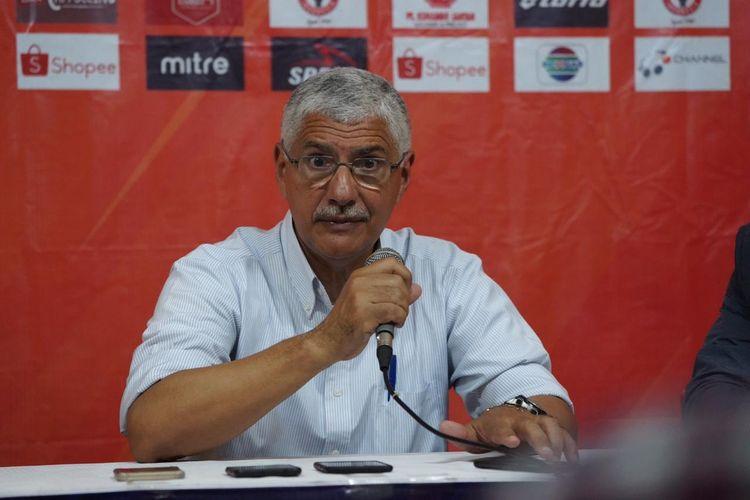Pelatih Persija Jakarta, Edson Tavares, seusai laga melawan Semen Padang pada pekan ke-27 Liga 1 2019.