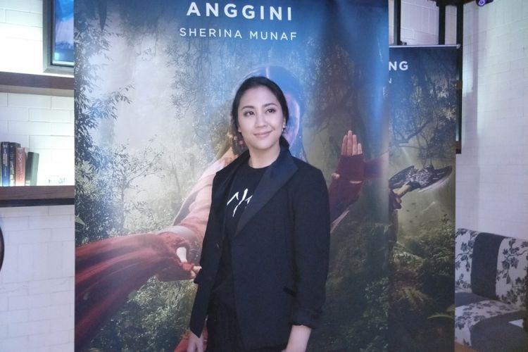 Sherina Munaf diabadikan usai wawancara film Wiro Sableng di Grand Indonesia, Jakarta Pusat, Selasa (13/2/2018).