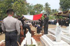 Tembakan Salvo Iringi Pemakaman Ipda Erwin, Polisi yang Dibakar di Cianjur
