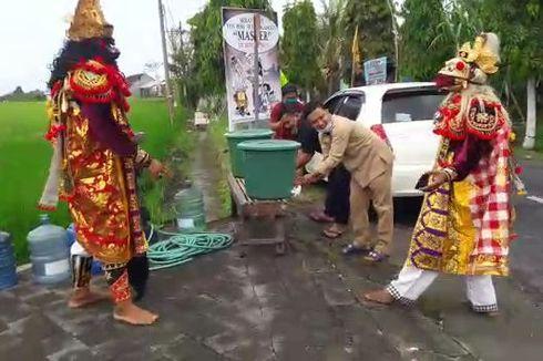 Rahwana dan Hanoman Jaga Pintu Masuk Desa, Sosialisasikan Covid-19