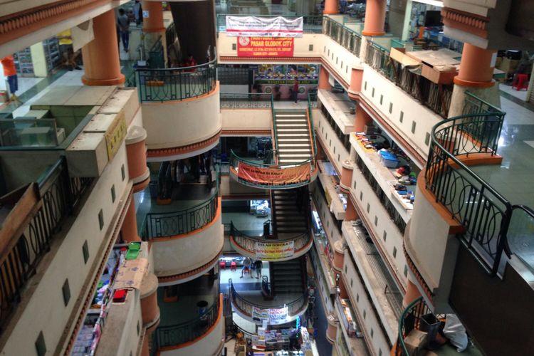 Pasar Glodok sepi karena ditinggalkan oleh para pembeli