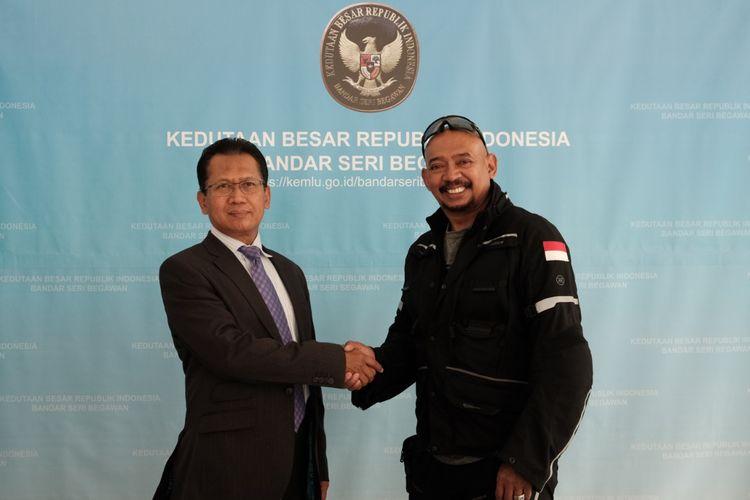 Jeffrey Polnaja, pengendara motor solo keliling dunia dari Indonesia.