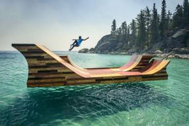 Tampilan Floating Skare Ramp di Lake Tahoe, perbatasan California dan Nevada, Amerika Serikat.
