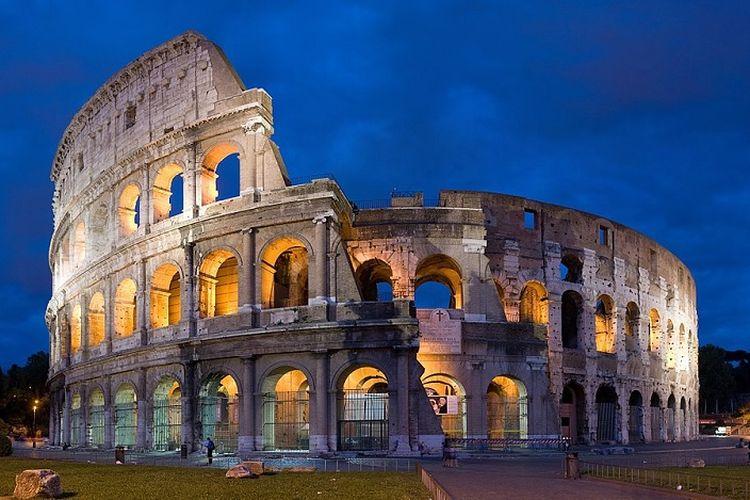 Colosseum, salah satu sisa kejayaan Kekaisaran Romawi.