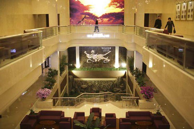 Interior Hotel Koryo di Pyongyang, Korea Utara, setelah direnovasi.