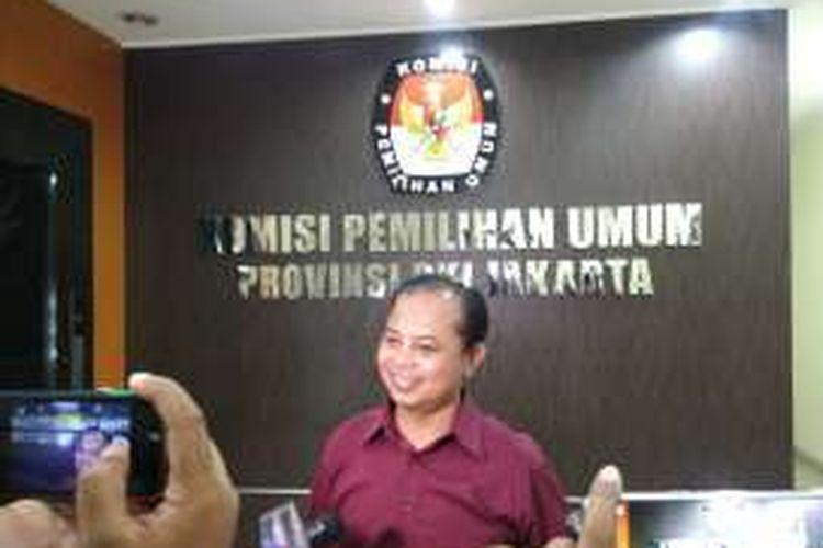 Ketua KPU DKI Sumarno, di kantor KPU DKI, Jalan Salemba Raya, Jakarta Pusat, Selasa (20/12/2016).