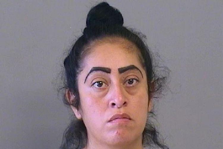 Desiree Castaneda dari Oklahoma, Amerika Serikat (AS), yang ditangkap polisi setelah putrinya yang berusia 12 tahun melahirkan.