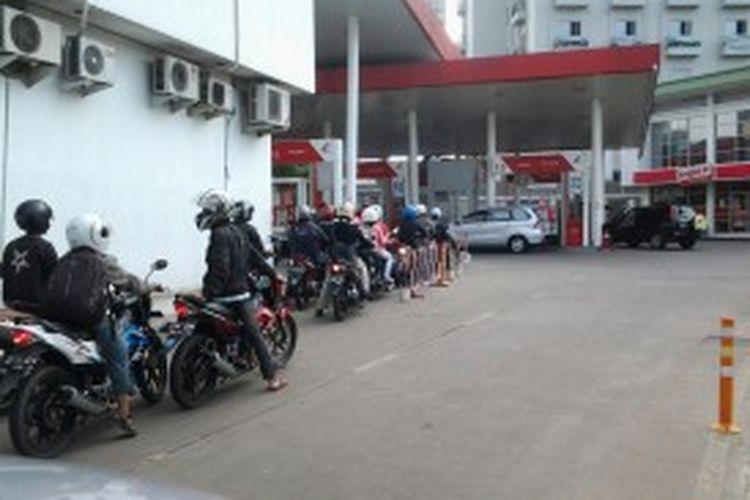 Suasana SPBU di Jalan Kapten Tendean, Mampang, Jakarta Selatan, beberapa waktu lalu.