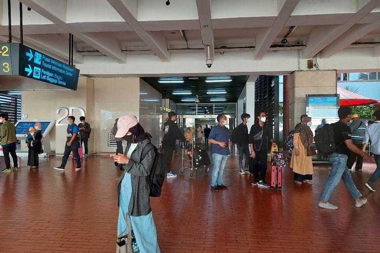 Suasana Bandara Soekarno-Hatta di Kota Tangerang tepat satu hari usai laranhan mudik Lebaran, Selasa (18/5/2021).