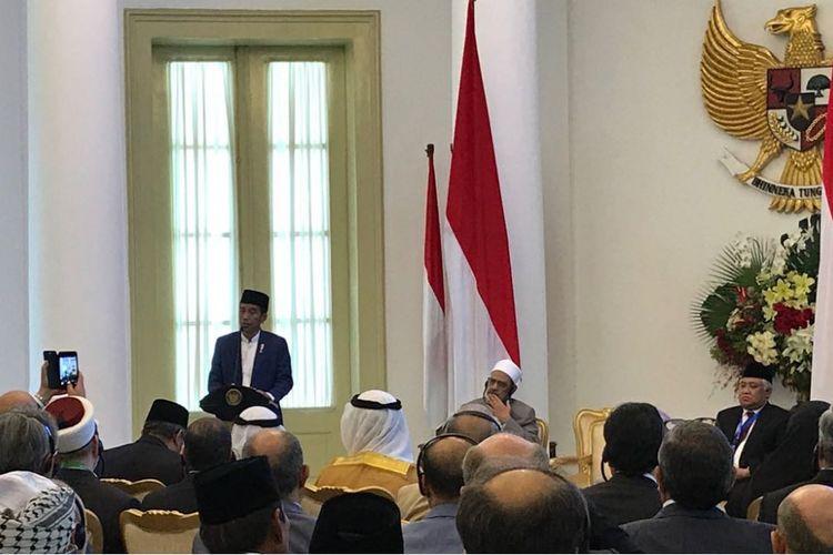 Presiden Joko Widodo saat membuka Konsultasi Tingkat Tinggi Wasathiyah Islam di Istana Presiden Bogor, Jawa Barat, Selasa (1/5/2018).