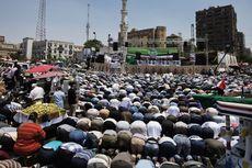 Ribuan Pendukung dan Penentang Presiden Mursi Turun ke Jalanan Kairo