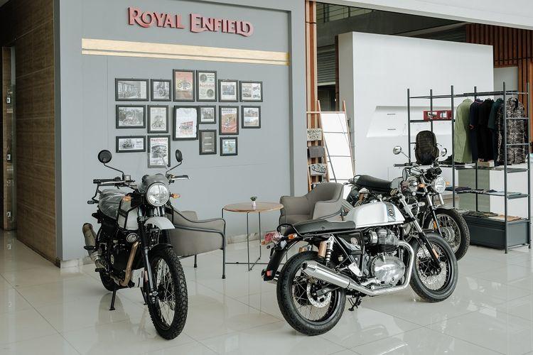 Royal Enfield resmikan pembukaan tiga diler baru di Jabodetabek.