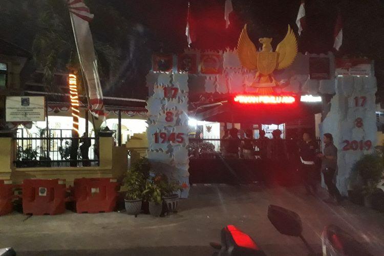 Polsek Wonokromo Surabaya dijaga ketat