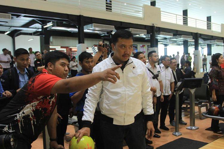 Menpora Imam Nahrawi saat mengunjungi venue boling di Kompleks Jakabaring Sport City (JSC), Palembang, Sumatera Selatan, Rabu (31/7/2019).