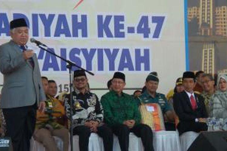 Ketua Umum Pengurus Pusat Muhammadiyah Din Syamsuddin memberikan sambutan dalam pembukaan Muktamar ke-47 Muhammadiyah di Lapangan Karebosi, Makassar, Senin (3/8/2015). Muktamar berlangsung pada 3-7 Agustus 2015 di Universitas Muhammadiyah Makassar.