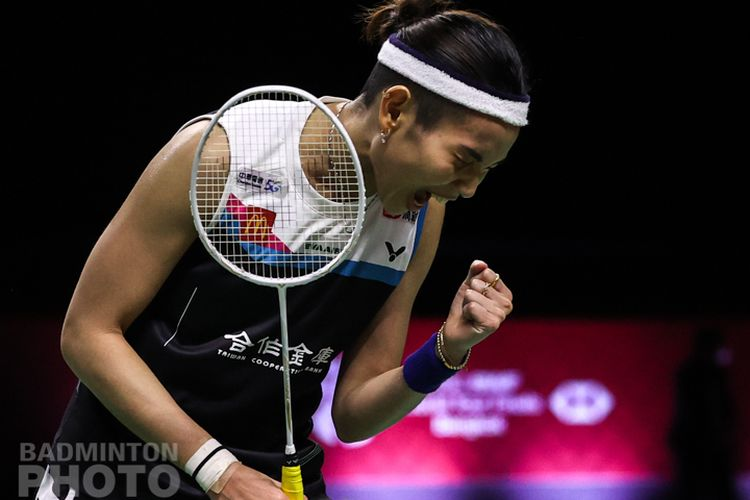 Tai Tzu Ying saat melawan Carolina Marin (Spanyol) pada final BWF World Tour Finals 2020 di Impact Arena, Bangkok, Thailand, Minggu (31/1/2021).