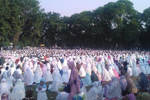Jemaah Idul Adha Membludak, Jalanan di Sekitar Al Azhar Jadi Parkiran