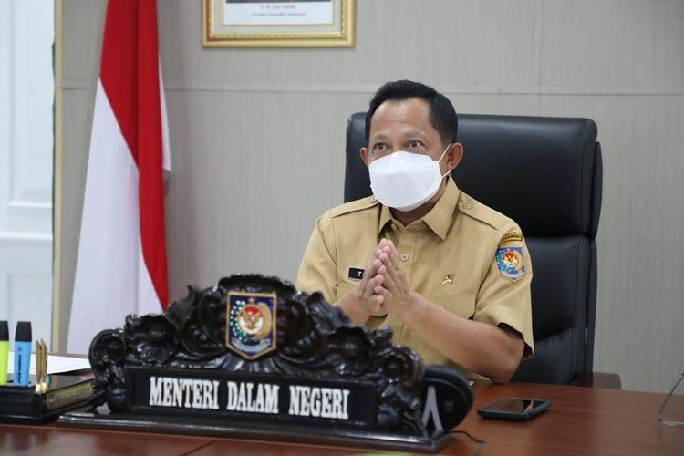 Menteri Dalam Negeri (Mendagri) Muhammad Tito Karnavian saat memberi pengarahan kepada Kepala Satpol PP seluruh Indonesia melalui video conference, Senin (19/7/2021).