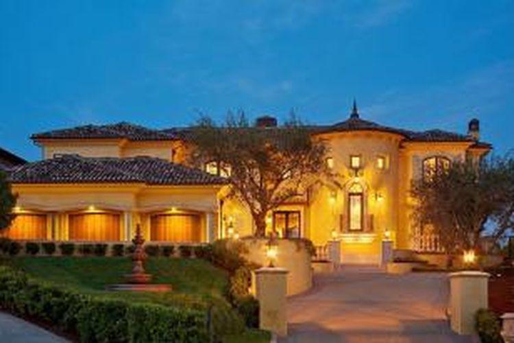 Rumah pasangan selebriti dunia Kim dan Kanye West di Bel Air, dipersiapkan untuk menyambut kehadiran anak mereka.