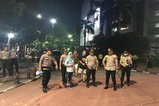 Polisi Bubarkan Anak Muda yang Nongkrong di Blok M pada Minggu Malam